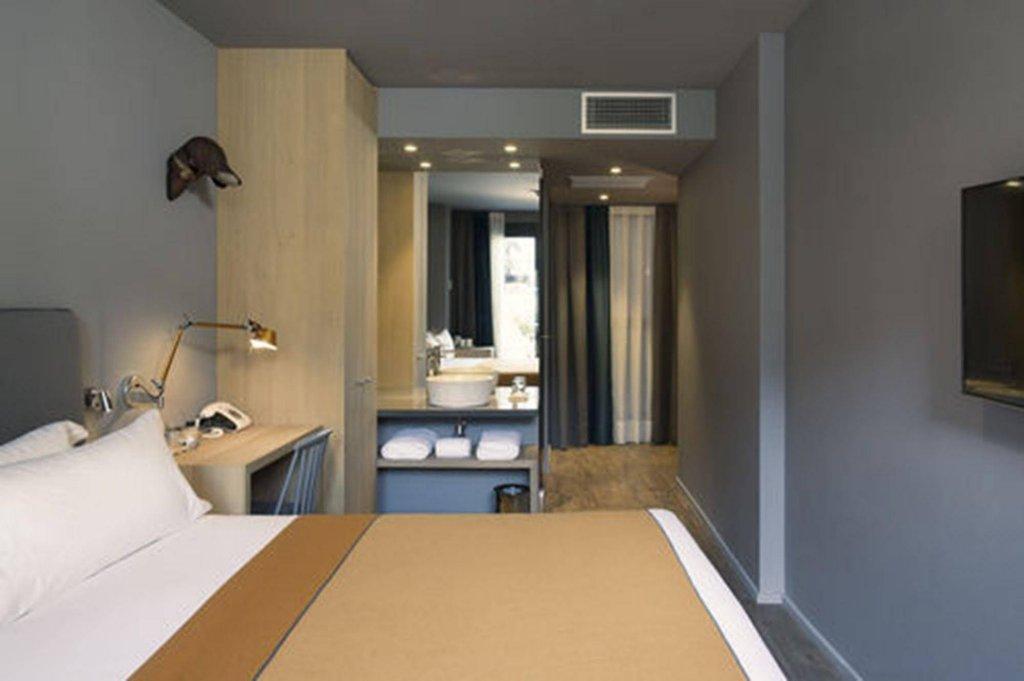 Yurbban Trafalgar Hotel Image 4