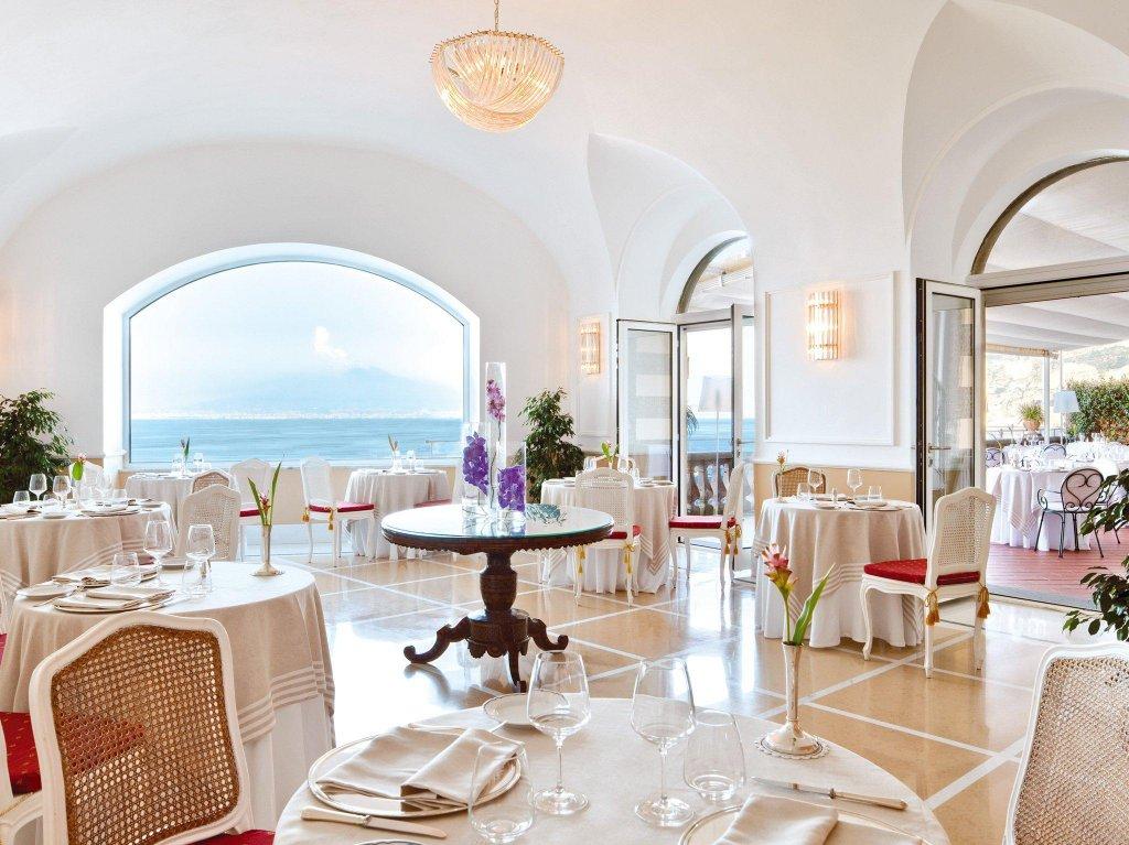 Grand Hotel Excelsior Vittoria Image 9