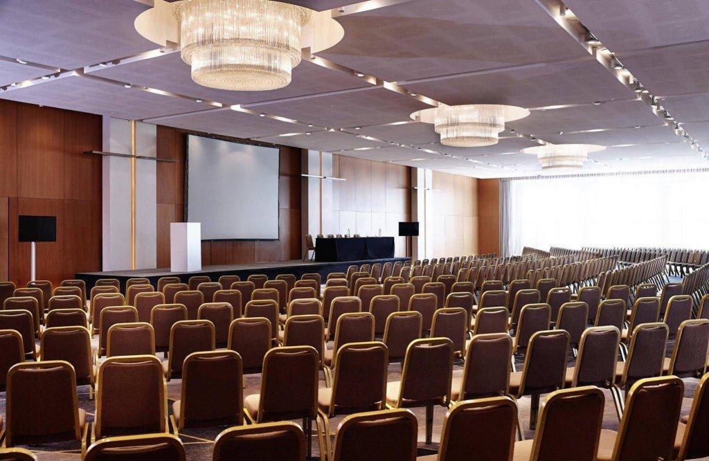 Hilton Athens Image 12