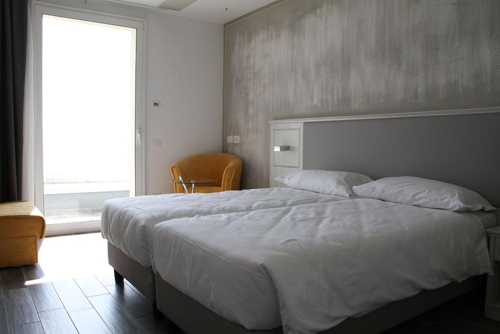 Villa Paradiso Suite, Moniga Del Garda Image 5