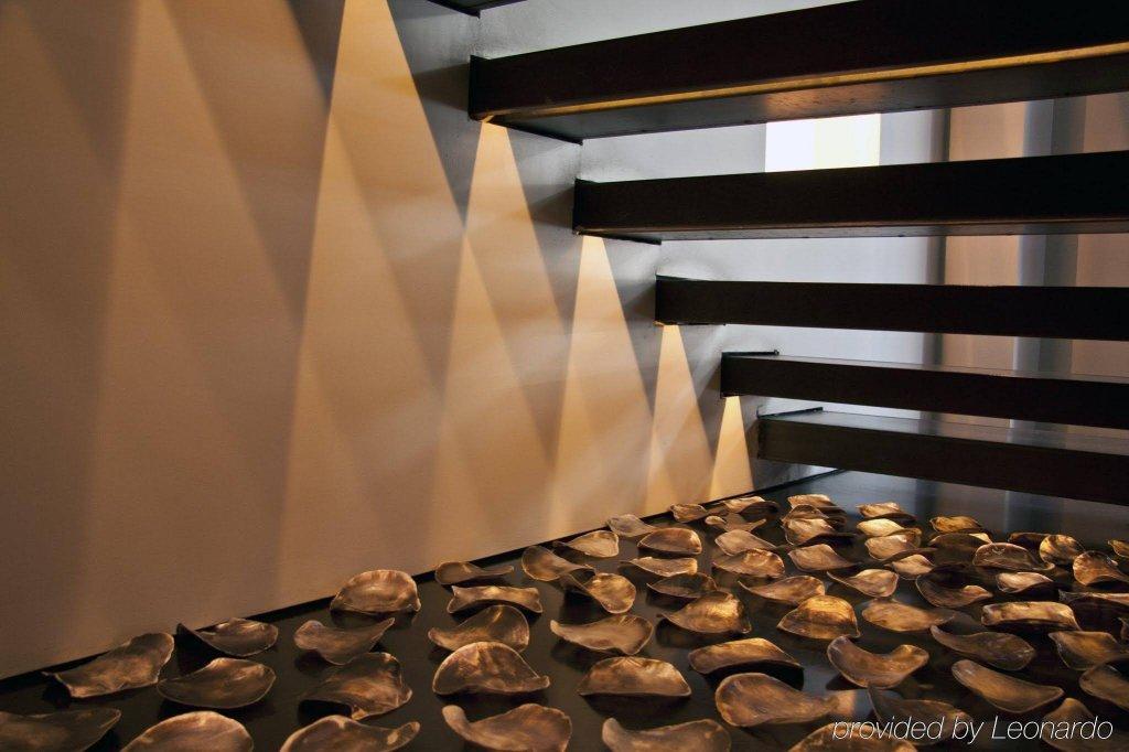 Sina The Gray, Milan Image 12