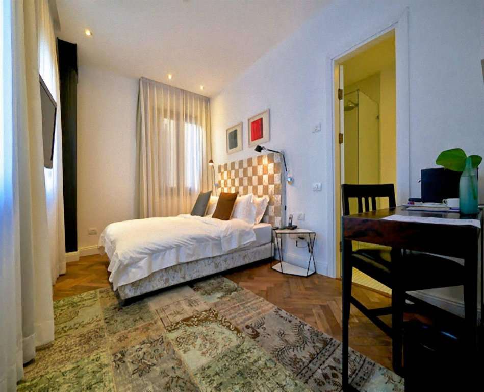 Townhouse By Brown Hotels Image 18