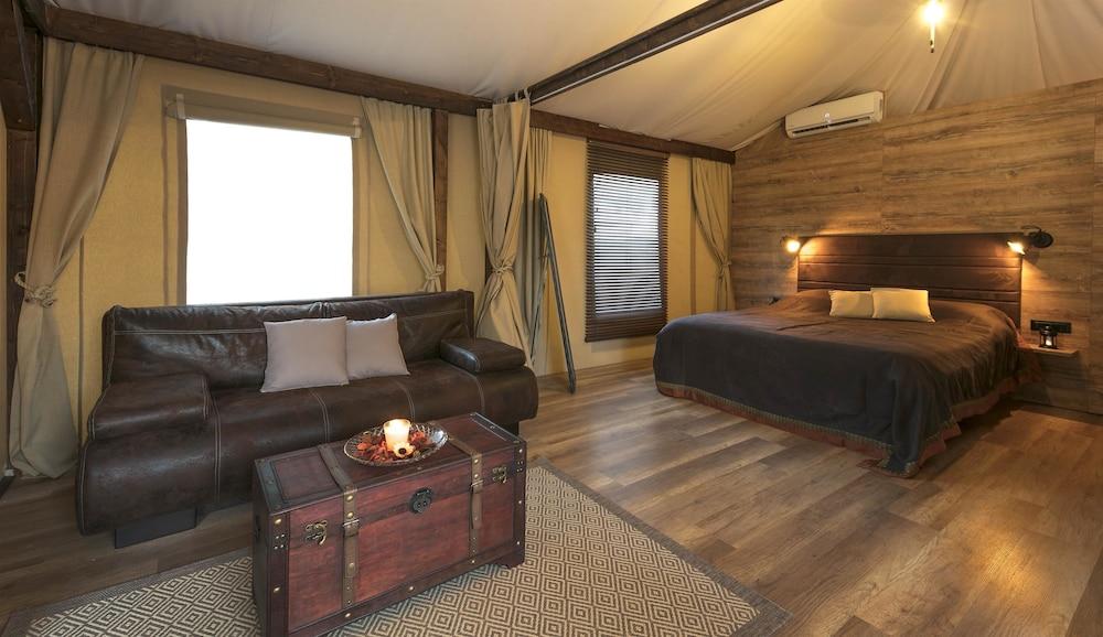 Mediteran Kamp Glamping Tents In Camping Navis Image 0