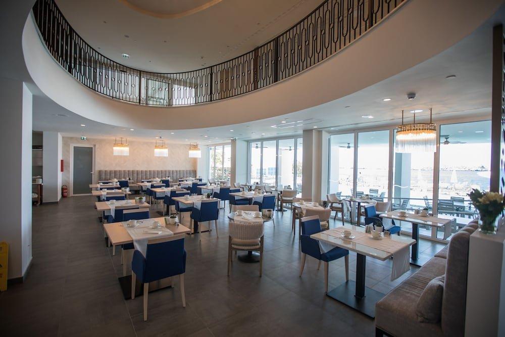 Royal Blue Hotel Image 53