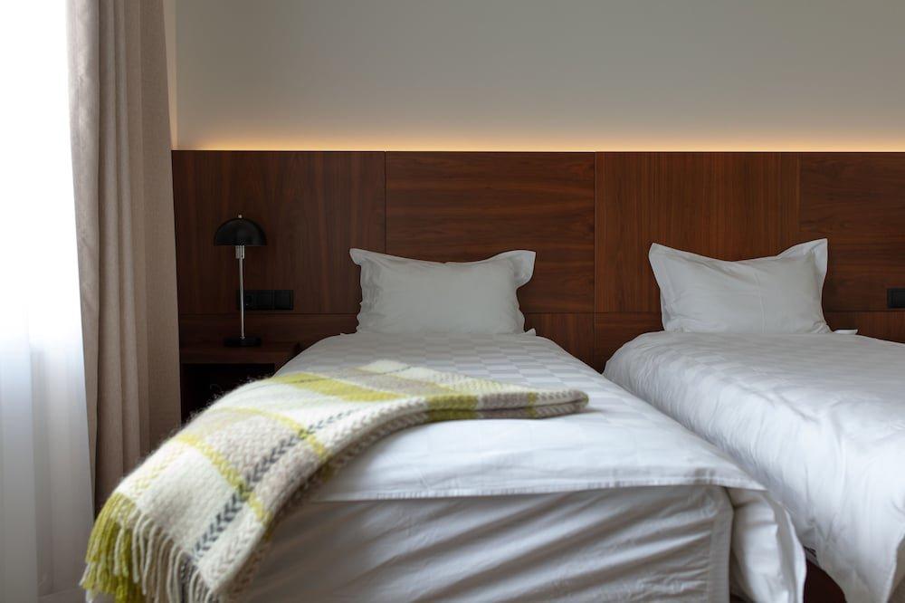 Umi Hotel Image 0