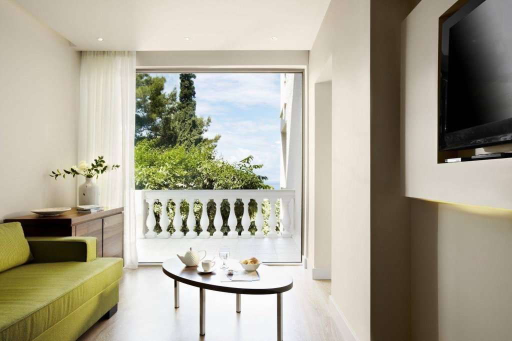 Marbella Corfu, Perama Image 3