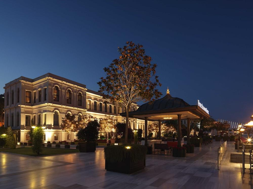 Four Seasons At The Bosphorus Image 3
