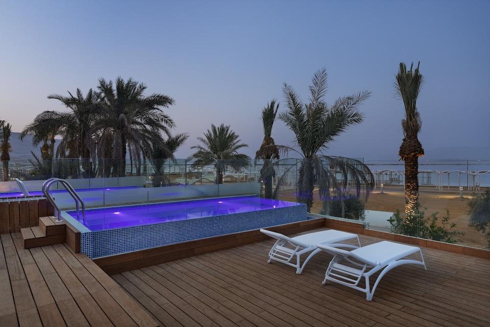 Milos Dead Sea Image 12