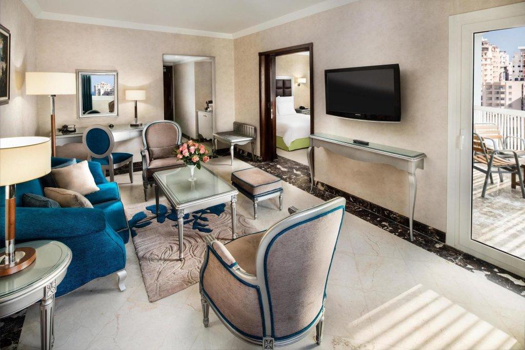 Hilton Alexandria Corniche Image 6