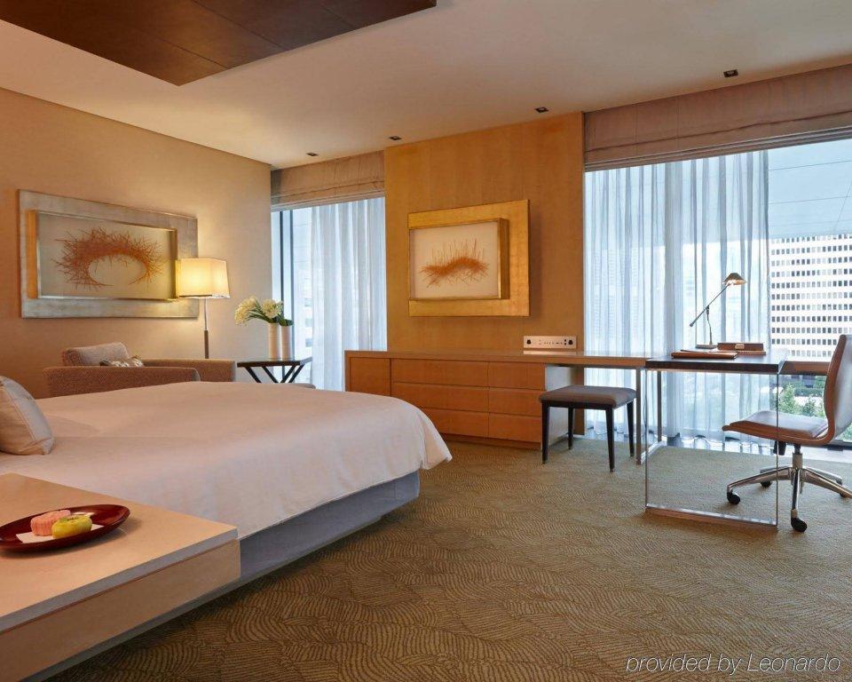 Four Seasons Hotel Tokyo At Marunouchi Image 8