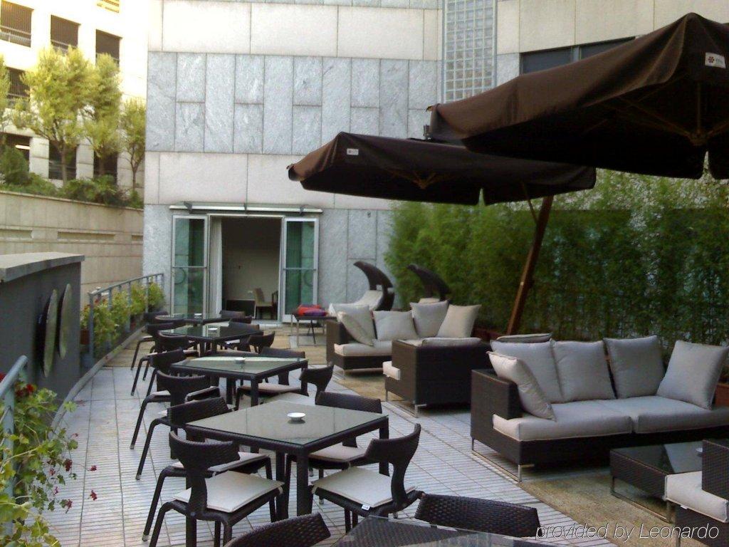 Sina The Gray, Milan Image 17