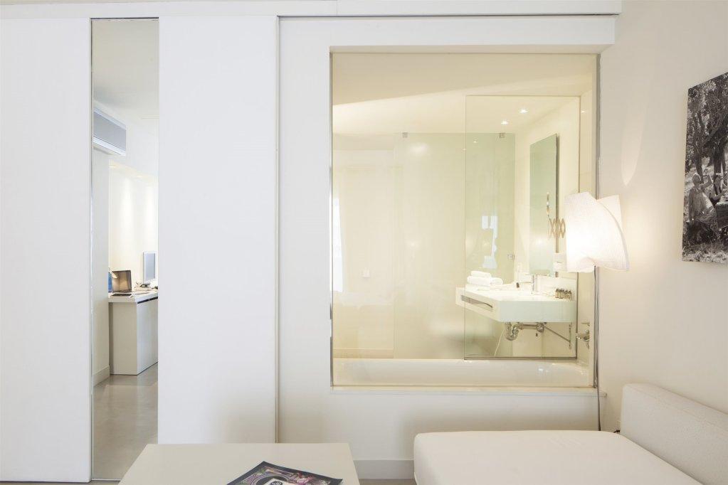 El Hotel Pacha – Includes Entrance To Pacha Club Image 5