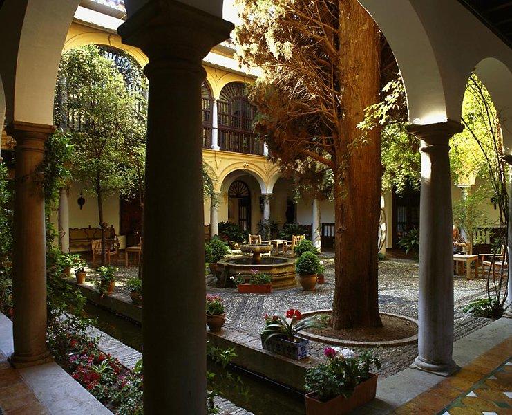 Parador De Granada Hotel Image 1