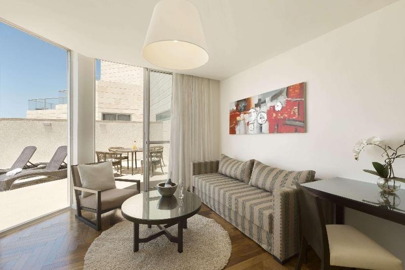 Ramada Hotel & Suites By Wyndham Netanya Image 1