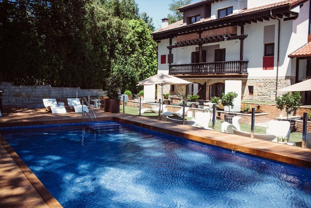 Hotel Cuevas, Santillana Del Mar