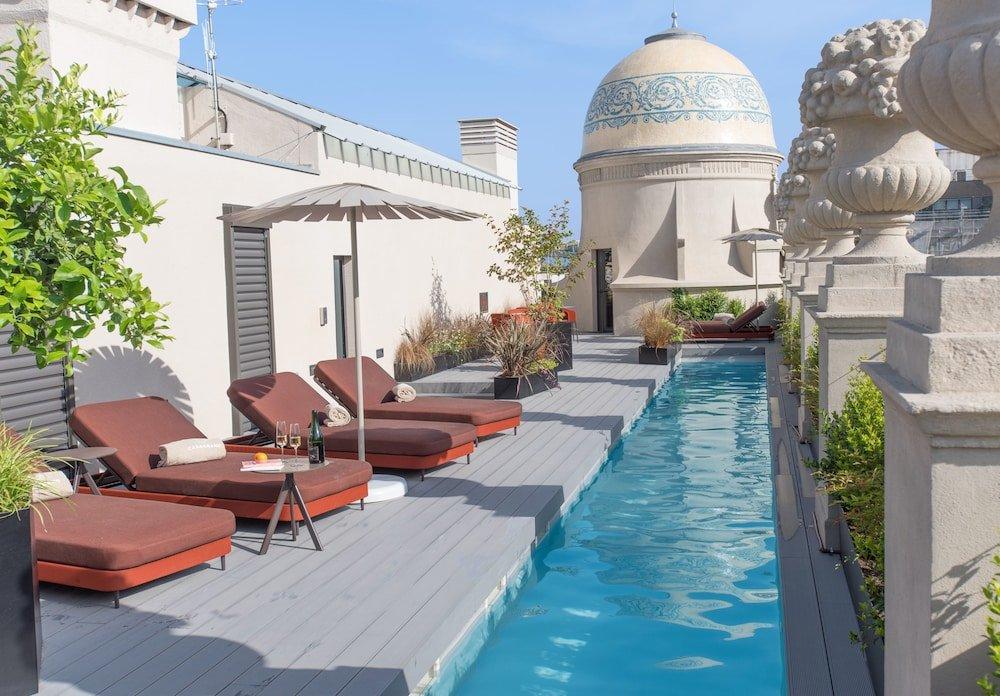 Casagrand Luxury Suites Image 1