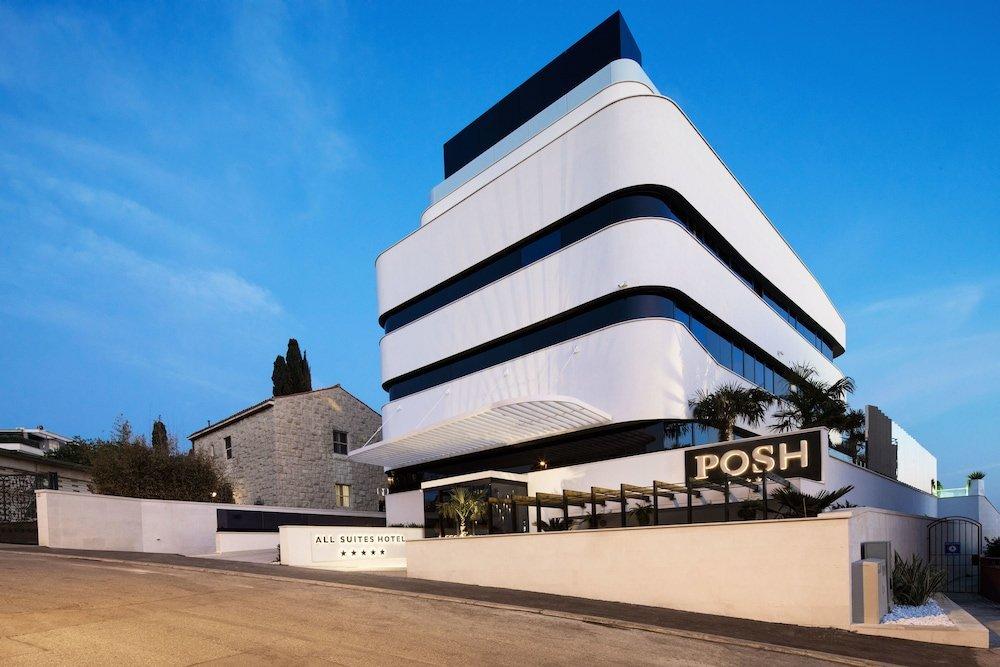Hotel Posh, Split Image 46