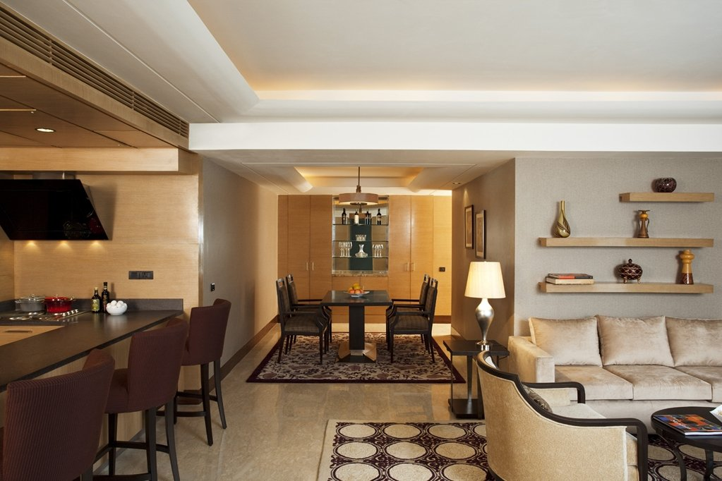 The Leela Ambience Hotel & Residences, Gurugram Image 9