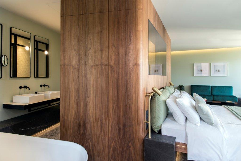 Perianth Hotel Image 7