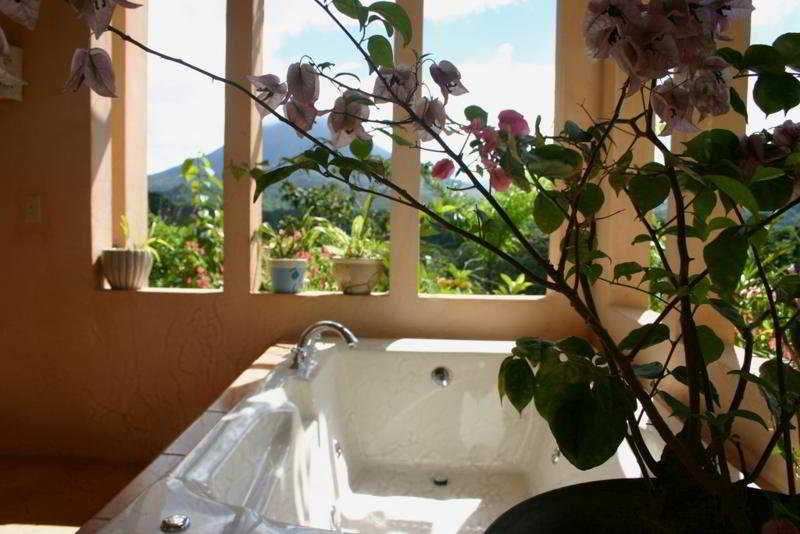 Lost Iguana Resort And Spa, Arenal Image 1