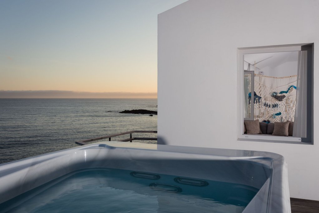 White Exclusive Suites & Villas, Lagoa Image 4