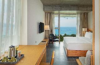 Chicland Danang  Beach Hotel Image 6