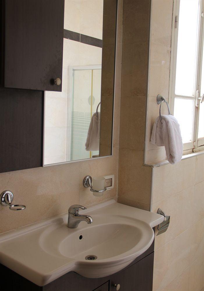 Allenby Bauhaus Apartments, Tel Aviv Image 19