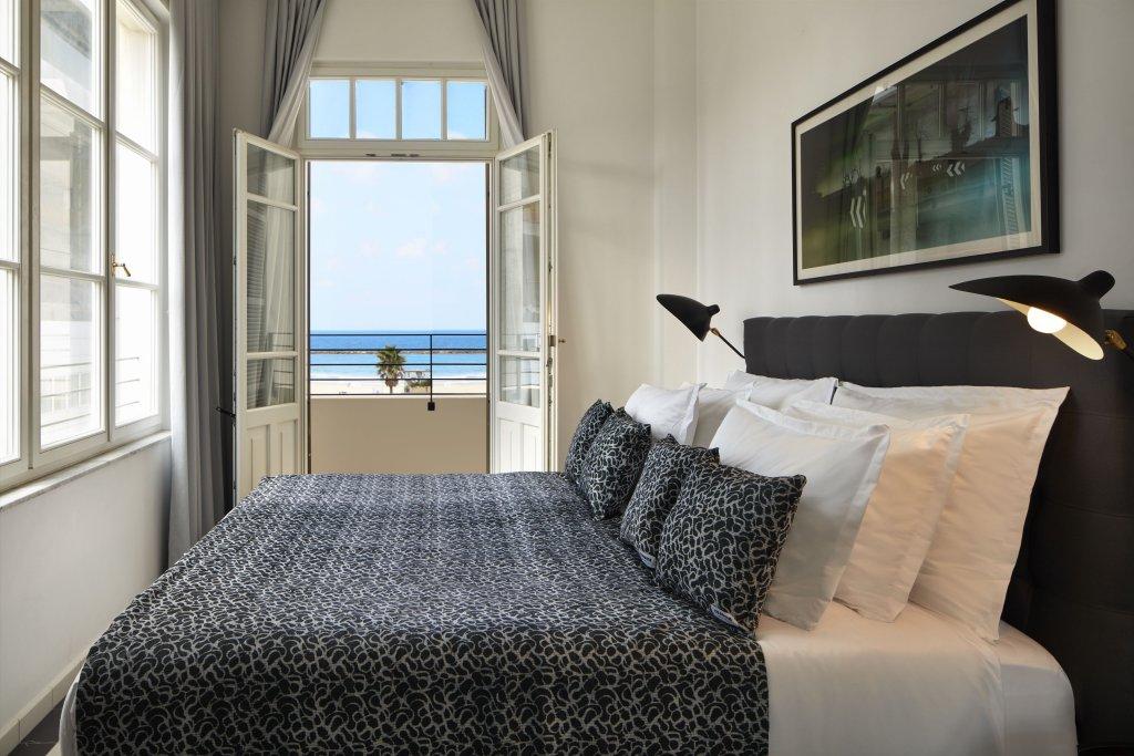 Renoma Hotel Image 4