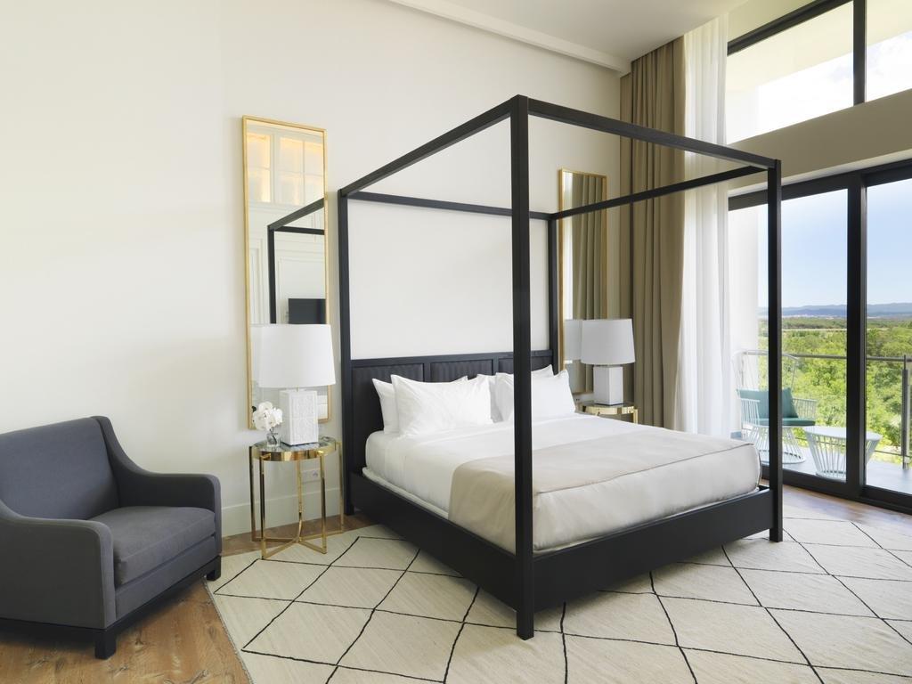 Hotel Camiral Image 9