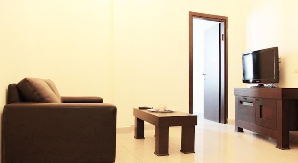 Allenby Bauhaus Apartments, Tel Aviv Image 12