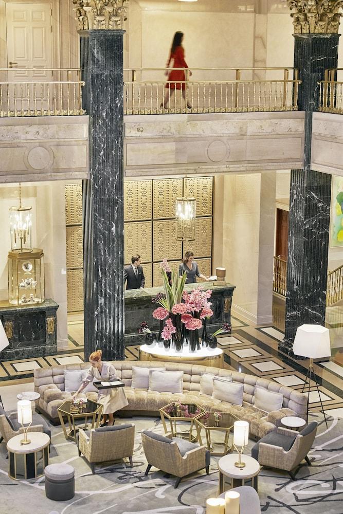 Four Seasons Hotel Madrid Image 8