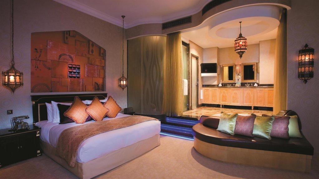 Shangri-la Hotel Qaryat Al Beri, Abu Dhabi Image 1