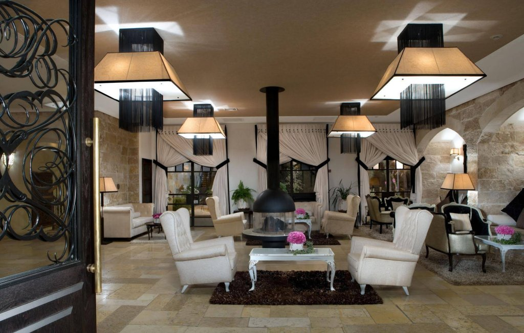 Bayit Bagalil Boutique By Herbert Samuel Image 1
