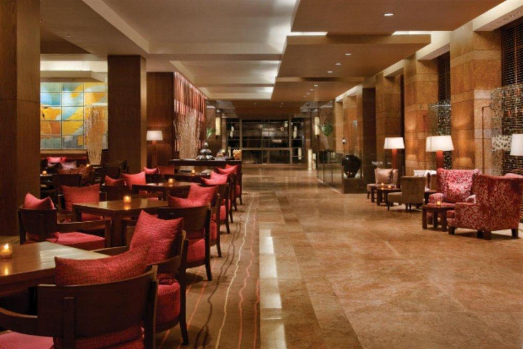 Grand Hyatt Mumbai Hotel And Serviced Apartments Image 7