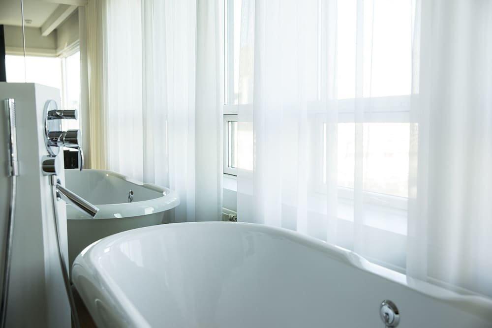 101 Hotel Image 16