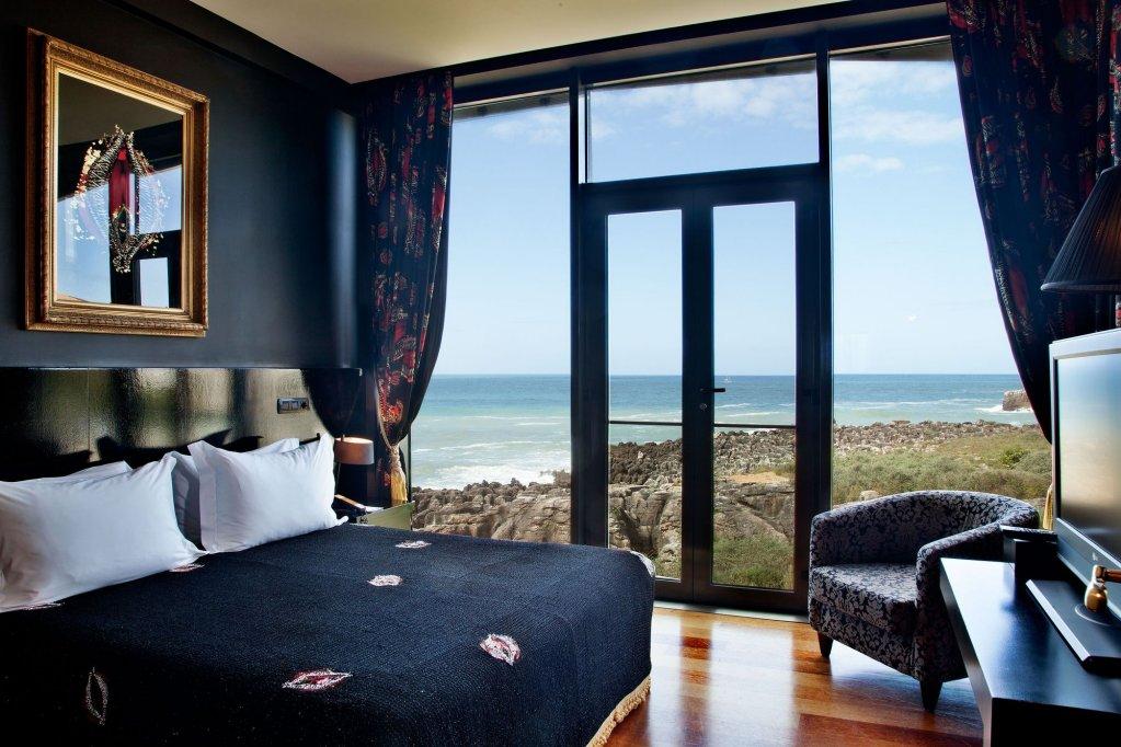 Farol Hotel Image 0