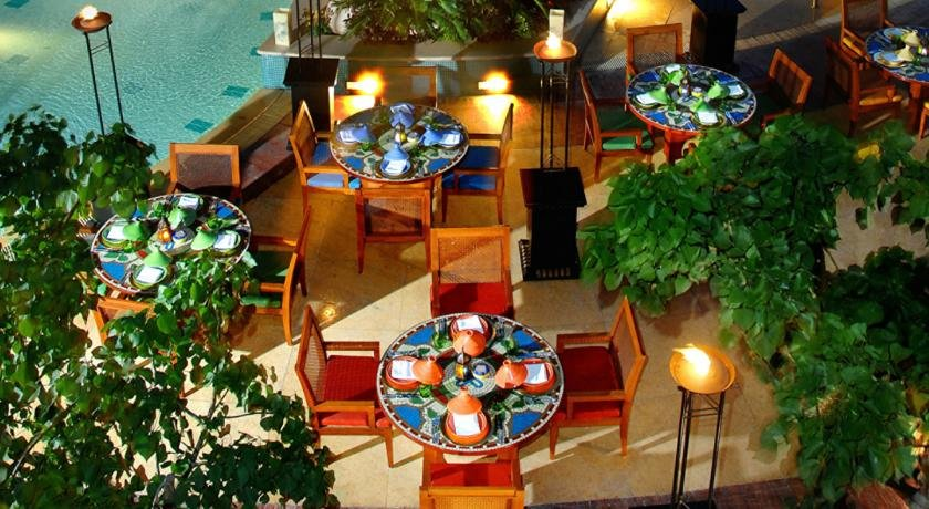 Four Seasons Hotel Cairo At Nile Plaza Image 9