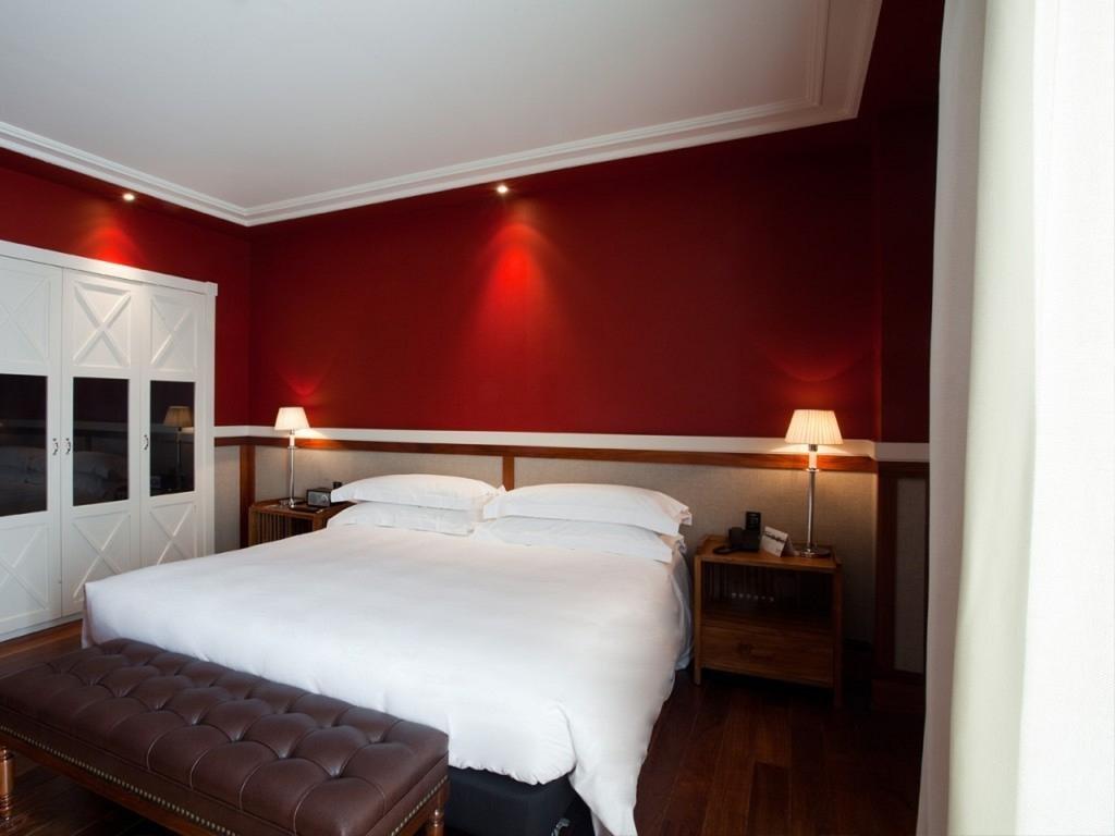 Hotel 1898 Image 0