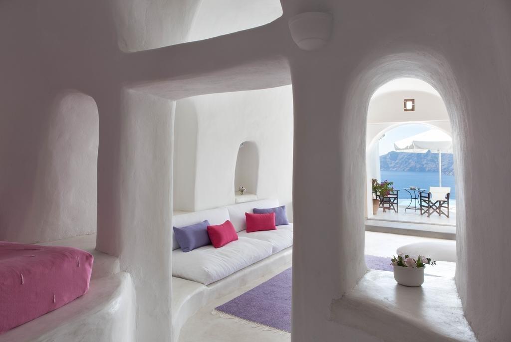 Perivolas, Santorini Image 2