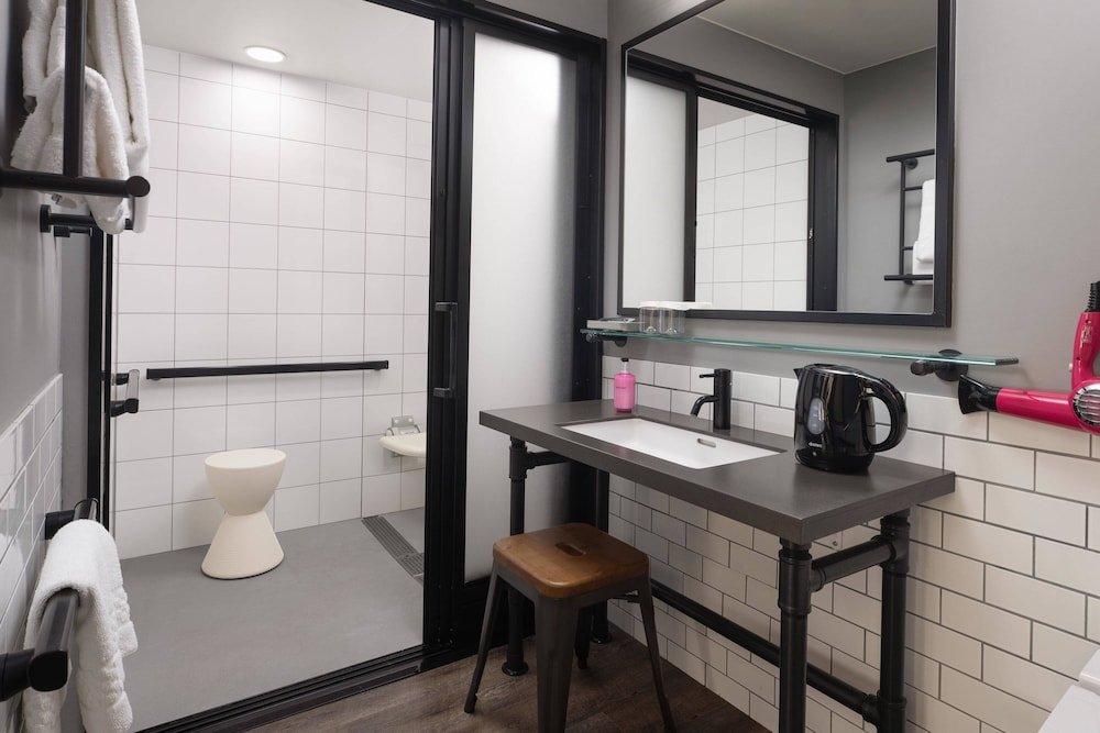 Moxy Tokyo Kinshicho By Marriott Image 21