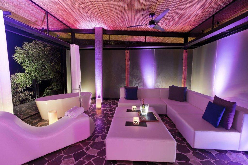 Kura Design Villas Image 17