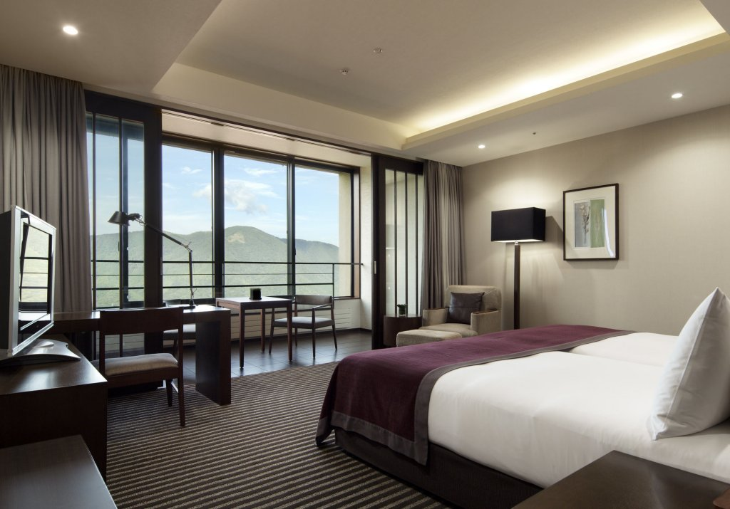 Hyatt Regency Hakone Resort And Spa Image 1