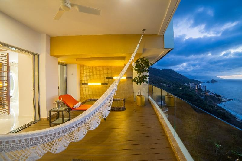 Hotel Mousai Puerto Vallarta Image 7
