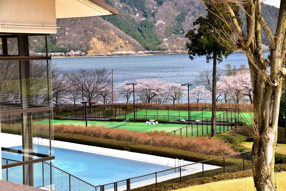 L'hotel Du Lac, Nagahama Image 1
