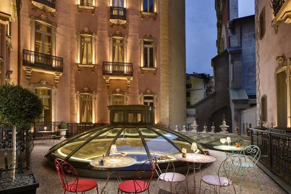 Chateau Monfort, Milan Image 16