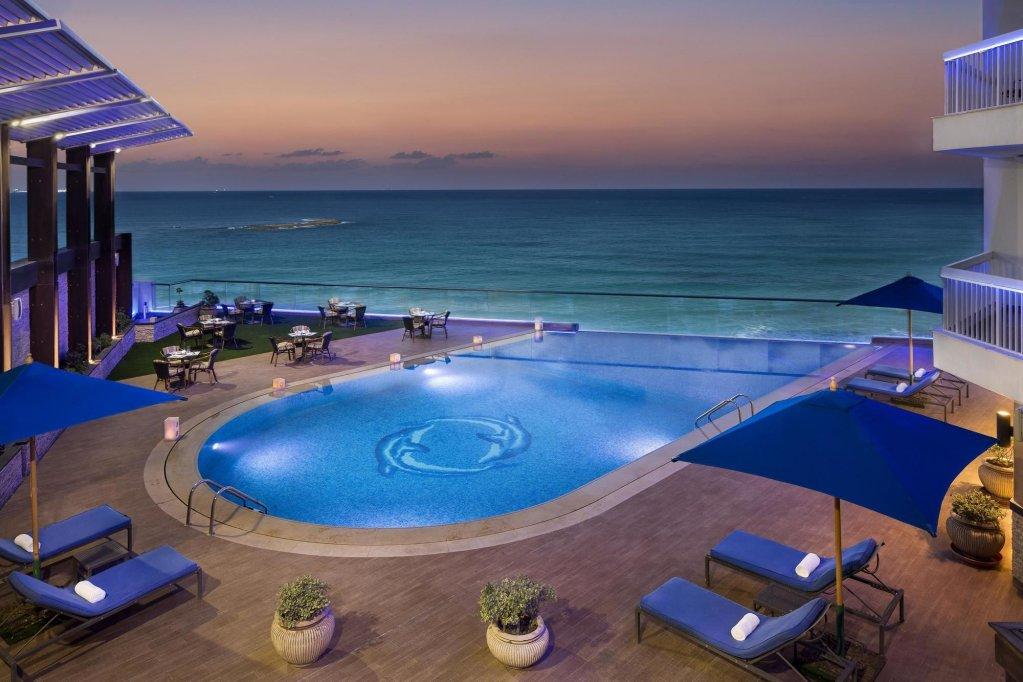 Hilton Alexandria Corniche Image 2