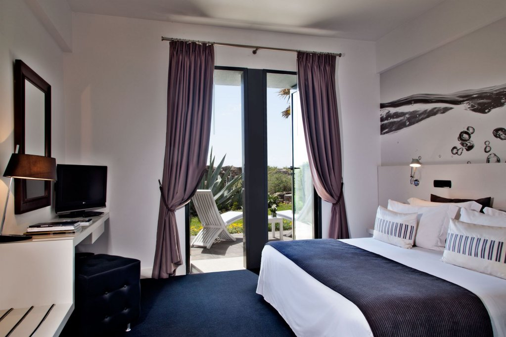 Farol Hotel Image 1