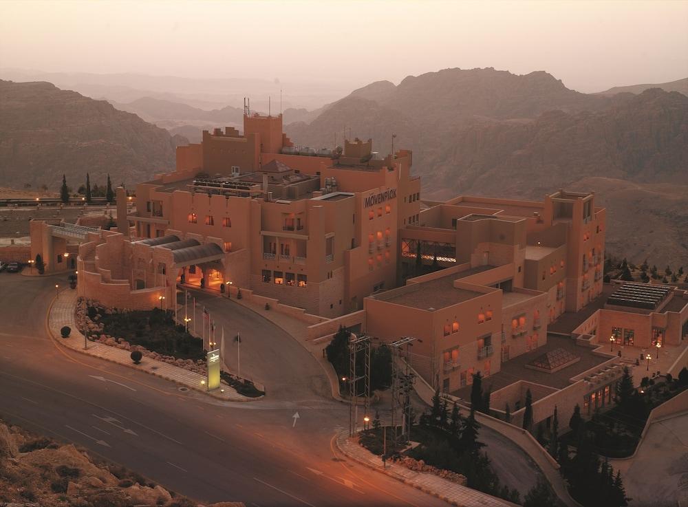 Movenpick Nabatean Castle Hotel, Petra Image 11