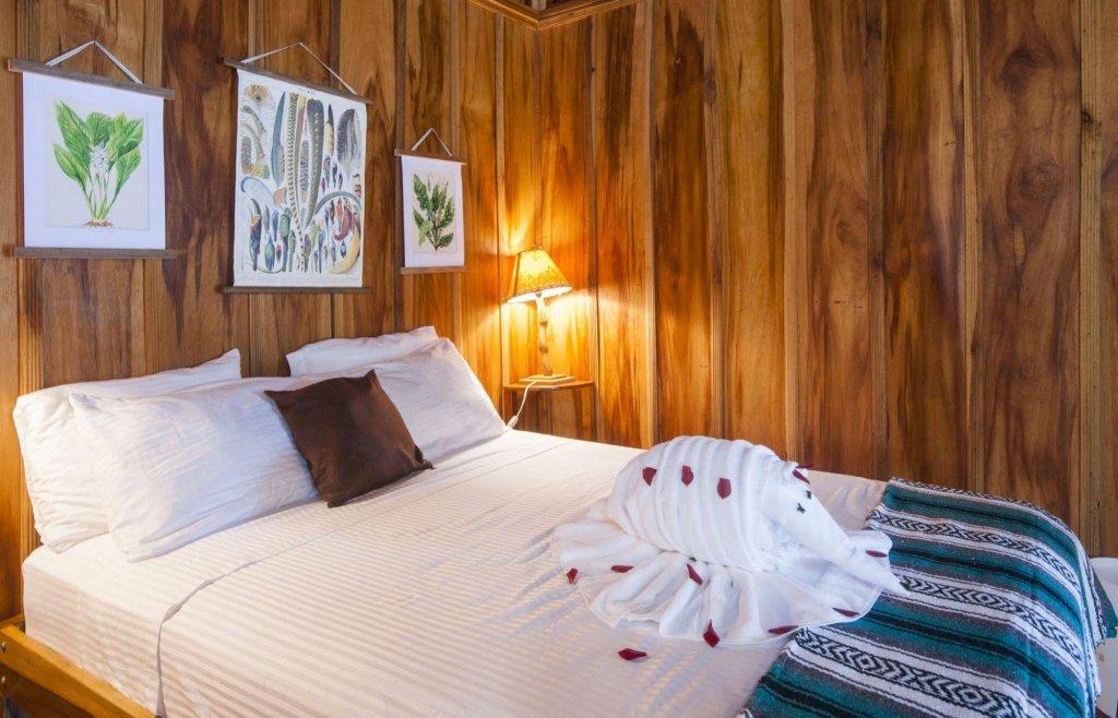 Finca Luna Nueva Lodge, San Isidro Image 1