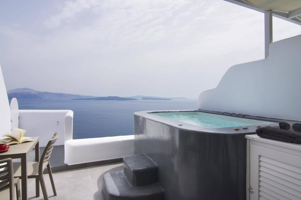 Santorini Secret Suites & Spa Image 2